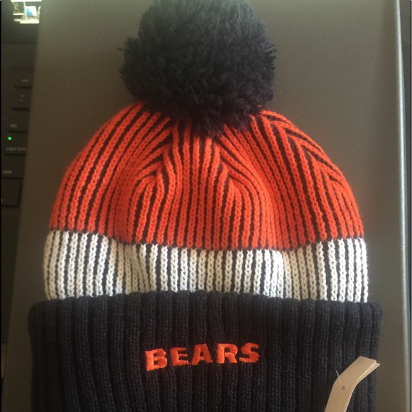 543206582ee NFL Chicago Bears Knit Beanie Hat with Pom Black. M 5b6e23f47ee9e208cd9f2dcb